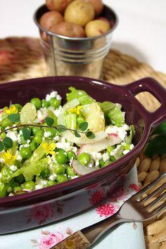 Salada de ervilhas com batata e queijo feta