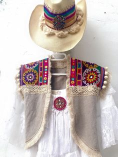 New moda boho ibiza clothes Ideas Gypsy Style, Bohemian Style, Boho Chic, My Style, Boho Hippie, Boho Gypsy, Look Fashion, Diy Fashion, Hippie Elegante