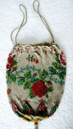 Beaded vintage purse with roses designs -drawstring top #PATCHWORKQUILT #Purse