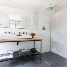 Keramische donkere tegel in badkamer - 6630