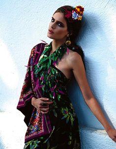 """""""Fuerza di Frida"""": Renata Sozzi as Frida Kahlo by Michael Filonow for Vogue Mexico"""