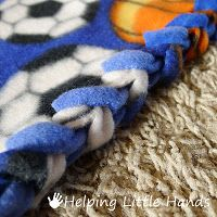 no-sew fleece blanke with a braid instead of ties
