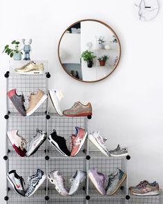 Street Look-Ronnie Fieg x Puma Sakura Street Look, Kids Rugs, Mirror, Trainers, Baskets, Furniture, Instagram, Home Decor, Tennis
