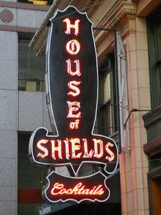 I'd like to be at this bar in San Francisco right now having a drink.