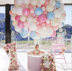 Birthday party prettiness!!! Beautifully done!!! Planning & Styling @dianekhouryweddingsandevents ✨