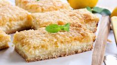 Lemon Flavored Desserts Are Often Overlooked. However, This New Take On A Classic Will Have You Looking At Lemon Bars In A Whole New Light. Lemon desserts have taken a backseat Recettes Martha Stewart, Martha Stewart Recipes, Lemon Desserts, Easy Desserts, Dessert Recipes, Lemon Cheesecake Bars, Lemon Bars, Cigarette Russe, Ketogenic Diet Resource