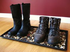Heart Maine Home: River rock boot tray