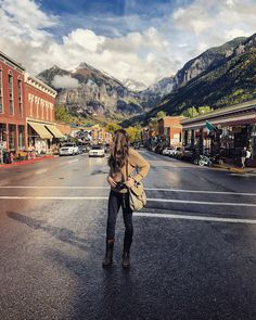 Fall in Telluride. Fall Mountain style - frye boots, H&M leggings and a chunky sweater