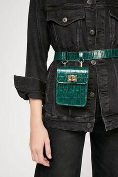Shopping: de belt bag is de nieuwe fanny pack - Marla Womens Fashion Online, Latest Fashion For Women, Crea Cuir, Waist Purse, Leather Bag Pattern, Trendy Swimwear, Cloth Bags, Crocodile, Fanny Pack