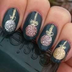 xmas nail art - ornaments