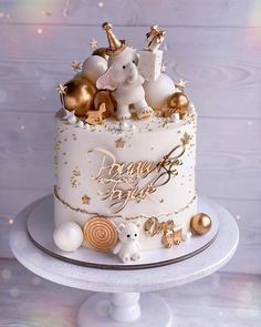 "Торты❤️Москва❤️ Анна❤️ on Instagram: ""Битва слонов 😁😁🐘🐘 Привычная уже моя рубрика - #выбериторт 😁 Голосуем? Какой 1 или 2? 🏆🏆 Молд слоник @elenatishakova Топпер…"" Baby Girl Birthday Cake, Pretty Birthday Cakes, Baby Girl Cakes, Birthday Cakes For Women, Cake Decorating Designs, Cake Decorating Videos, Birthday Cake Decorating, Amazing Baby Shower Cakes, Baby Shower Cake Designs"