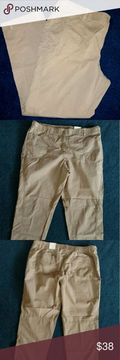 Chico's the ultimate fit 3 ripstop ankle pants These are Chico's the ultimate fit size 3 or 16, 2 pockets on front, and 2 pockets on back.button zipper closure. Has some jewels see photo, color is a tan/ light brown Chico's Pants Ankle & Cropped