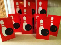 party favor bags | and there you have a gift bag for your bowling party!!