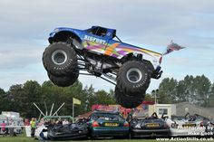#Bigfoot #17 #Monster #Truck Jumping over cars