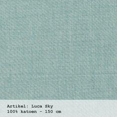 Blauwe uni gordijnstof  -  Luca sky uit de collectie van Boer & Bontig. Leuk voor op een stoere jongenskamer / www.boerenbontig.nl  #jongenskamer #kinderkamer #gordijn #gordijnstof