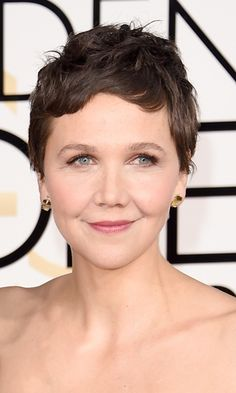 Maggie Gyllenhaal Maggie makes it look easy to pull off a pixie. Photo: © Getty Images