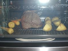 Ryan's Recipe Blog: A new oven & Roast Beef and Yorkshire Pudding