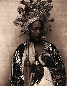 Stunning Chinese wedding head dress.