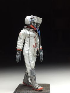 Ma.k.  Steal Astronautin Produced by HONEMITS PRODUCTS Painted by MANABU M