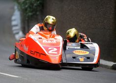 Dan Sayle to passenger Dave Molyneux at TT 2016 - Isle of Man TT Official Website Side Car, Racing Motorcycles, Super Bikes, Road Racing, Motogp, Motorbikes, Race Cars, Pilot, Vehicles