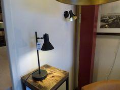 Home interior lights / ONLINE SHOP : click on this LINK ( www.rietveldlicht.nl ) Verzendkosten gratis . Showroom winkel . Klik 2 keer op de foto voor een hele grote foto . Tafellamp wandlamp  . Woonkamer verlichting , keuken lamp - slaapkamer lamp - kantoor . Keuze uit meer dan 3000 artikelen in verlichting in onze webwinkel . Ook meubels, maar die kan je alleen maar bezichtigen en bestellen in onze winkel ( schilderijen, eettafel stoelen , eettafels , banken ) .