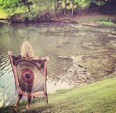 Hippy girl at lake Happy Hippie, Hippie Love, Hippie Gypsy, Hippie Chick, Hippie Girls, Gypsy Style, Hippie Style, Bohemian Style, Bohemian Summer