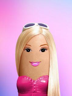 Pulgar Barbie.