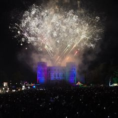 Bestival wouldnt be the same without our incredible Sunday Night Spectacular! Come down to the Castle Field join the singalong and feel the polychromatic pleasures of a sky exploding into glittering kaleidoscope of joy. #Bestival17 #BestivalColour