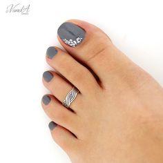 Sterling silver toe ring Wave design adjustable toe ring Also knuckle ring Fall Nails fall toe nails Fall Toe Nails, Pretty Toe Nails, Summer Toe Nails, Cute Toe Nails, Summer Pedicures, Toe Nail Color, Toe Nail Art, Nail Colors, Pink Nails