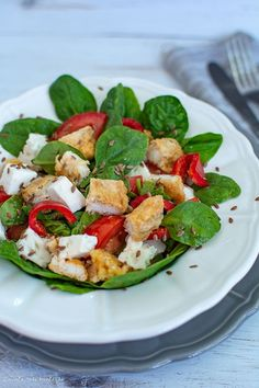 Recipe for Strawberry Balsamic Grilled Chicken Salad. Balsamic Grilled Chicken, Tyson Foods, Chicken Salad Recipes, Chicken Salads, Eat Smart, Soup And Salad, Salad Bar, Lunches And Dinners, Quick Meals