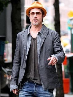Star Tracks: Monday, September 1, 2014 | A RING TO IT | Newlywed Brad Pitt (in a jaunty hat and a new accessory on his left hand) hits the streets of New York City Saturday on a business trip.