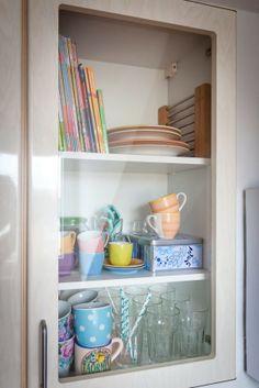 Lisa kocht gerne gesellig, aus diesem Grund sollte die Wohnung auf jeden Fall eine Wohnküche haben. #homestory #homestoryde #home #interior #design #inspiring #creative #art #italien #scandinavien #duesseldorf