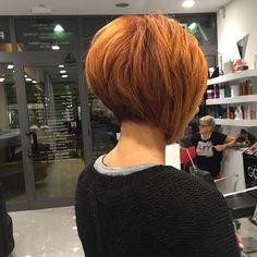 Bob-haarschnitt All sizes Choppy Bob Hairstyles, Short Hairstyles For Thick Hair, Short Grey Hair, Short Bob Haircuts, Short Hair With Layers, Short Hair Cuts For Women, Short Hair Styles, Sassy Haircuts, Brown Hairstyles