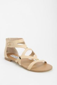The 58 best Shoes images on Pinterest   Flats, Ladies shoes and ... 8e65a2f4b410