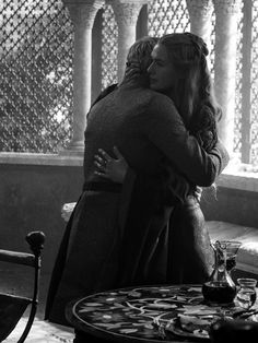 Cersei and her son Tommen Verbal Abuse, Emotional Abuse, Queen Cersei, Cersei Lannister, Iron Throne, Lena Headey, Valar Morghulis, Domestic Violence, Happy Endings