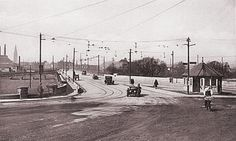Image from http://www.burton-on-trent.org.uk/wp-content/images/TrentBridge/1920TrentBridge.jpg.
