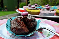 Chocolate Cupcakes - perfect kids recipe (& then you can eat them:-) Fab Food 4 All