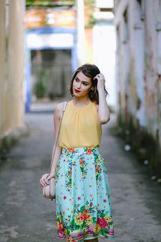 .:Saia Midi Floral + Blusa Pregas :.