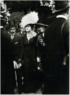 Perdants aux Courses d'Auteuil by Henri Lartigue 1911