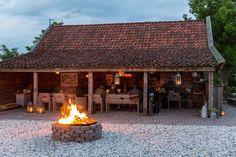 Groepsaccommodaties in Noord Holland. Patio, Backyard, Gazebo, Pergola, Garden Design, House Design, D House, Garden Buildings, Bed And Breakfast