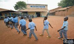 مدارس جنوب السودان تفتح أبوابها والمُعلمون يتركون العمل فيها: فتحت بعض من مدارس جنوب السودان البالغ عددها نحو ستة آلاف مدرسة، أبوابها في…