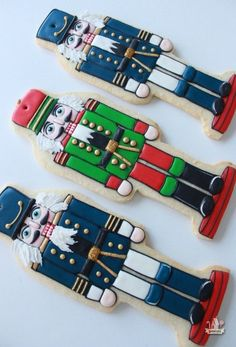 A step by step video showing how to decorate nutcracker cookies Fancy Cookies, Iced Cookies, Royal Icing Cookies, Cupcake Cookies, Chocolate Sugar Cookies, Cut Out Cookies, Cupcakes, Nutcracker Ornaments, Nutcracker Christmas