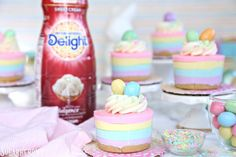 Easter No-Bake Mini Cheesecakes are cute, pastel-striped cheesecakes. They're an easy Easter dessert with no baking required! Easy Easter Desserts, Easter Treats, Mini Desserts, Easter Recipes, Easter Cheesecake, Cheesecake Recipes, Holiday Treats, Holiday Recipes, Fruits For Kids