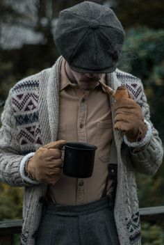 Style Anglais, Gentleman's Wardrobe, Rugged Fashion, Mens Fashion, Rugged Style, Gentleman Style, Hats For Men, Style Guides, Classic Style