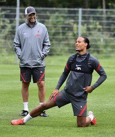 Virgil Van Dijk, Walking Alone, Liverpool Fc, Soccer, Sporty, Football, Futbol, Futbol, American Football
