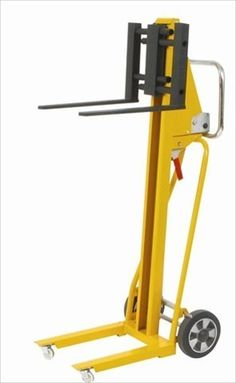 Wesco Industrial Products 273202 Steel Mini Winch Stacker 265lb Load Capacity 41 Lift Height 185 x 275 x 5375 >>> You can get more details by clicking on the image. Bicycle Work Stand, Tool Cart, Adaptive Equipment, Trailer Build, Homemade Tools, Cool Tools, Tool Box, Welding, Metal Working