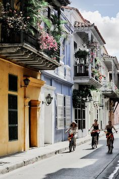 Colors of Cartagena. Places To Travel, Places To See, Columbia South America, Bolivia, Equador, Voyager Loin, Chile, Tropical Paradise, Culture Travel