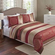 Better Homes and Gardens Bedding Quilt Set