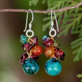 @Overstock - These earrings by Nareerat feature a cluster of gemstones influenced by ripe fruit in a tropical orchard. The earrings feature garnet, carnelian, serpentine and magnesite gemstones.http://www.overstock.com/Worldstock-Fair-Trade/Garnet-and-Carnelian-Tropical-Orchard-Cluster-Earrings-Thailand/5074088/product.html?CID=214117 $19.99