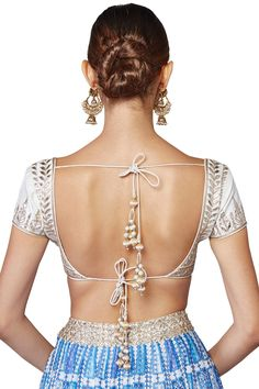6 Indian Blouse Designs That Make For Perfect Bridal Inspiration For You, Straight Off The Runway Blouse Designs High Neck, Best Blouse Designs, Bridal Blouse Designs, Saree Blouse Designs, Blouse Patterns, Indie, Indian Blouse, Sexy Blouse, Bollywood